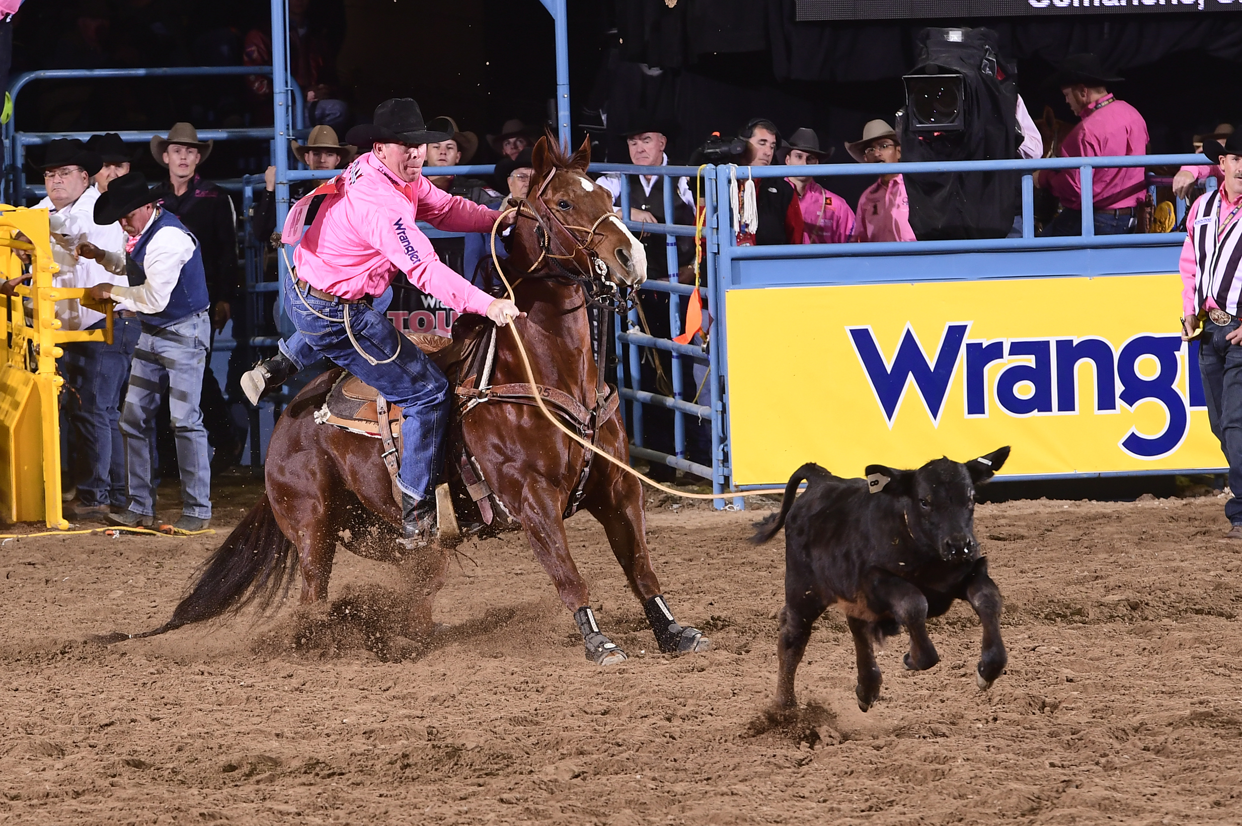 Ryan Jarrett found Lady Luck and rode her to a 7.5-second run on Monday to finish in a three-way tie for first place in the fifth go-round of the National Finals Rodeo. (PRCA PRORODEO PHOTO BY JAMES PHIFER)