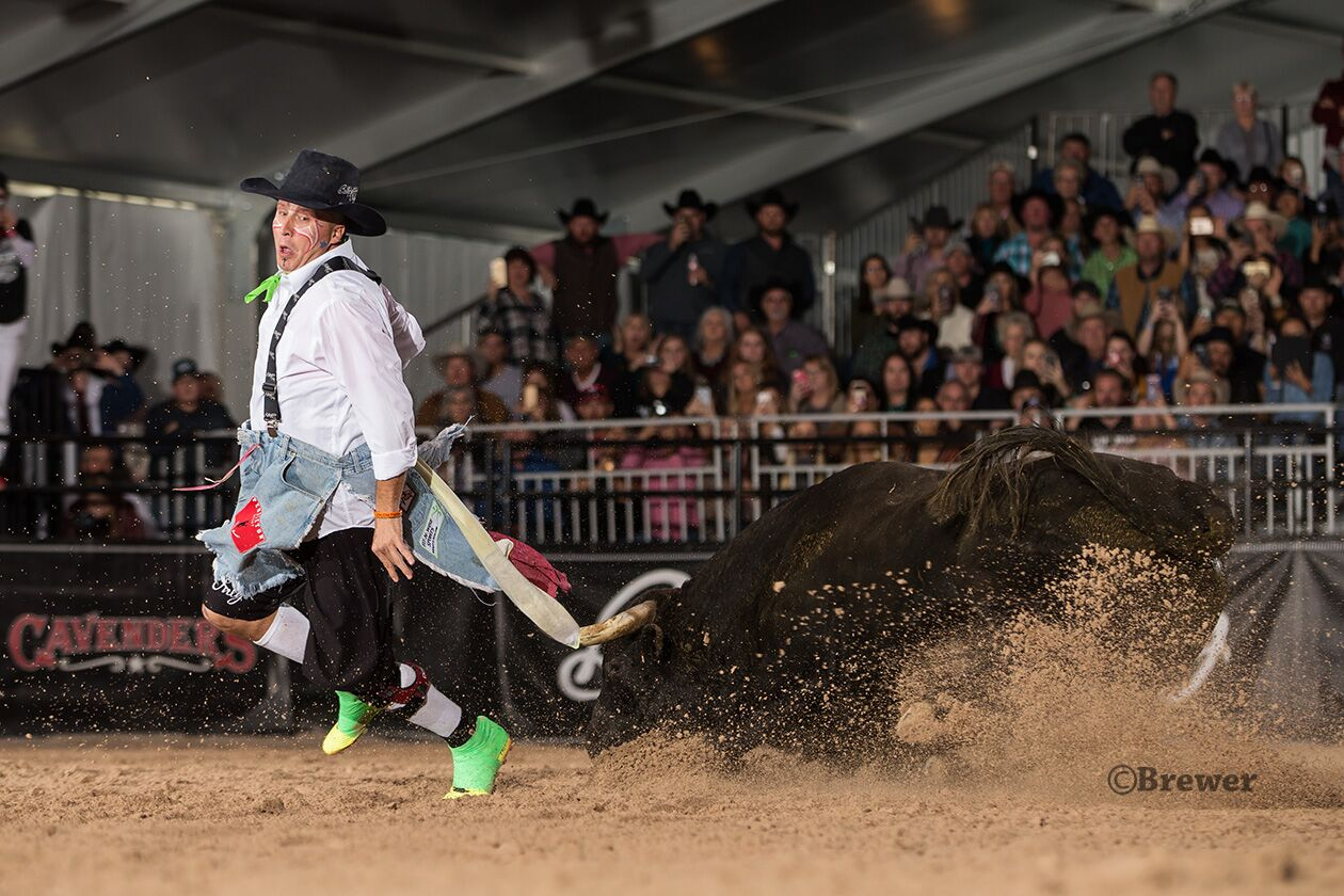 Ross Hill, finishing up his selfish fake at the Las Vegas Championship last month, will be one of many of the top freestyle bullfighters expected to be part of the Bullfighters Only Barrett-Jackson Invitational on Jan. 17-19 in Scottsdale, Ariz. (PHOTO BY TODD BREWER)