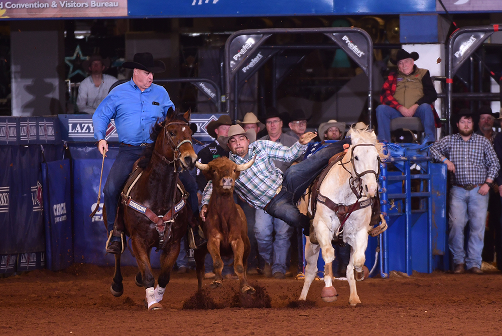 Erich Rogers is a world champion header and a contender for the CINCH Timed Event Championship title every year, but he also supports the Jr. Ironman Championship. (PHOTO BY JAMES PHIFER)