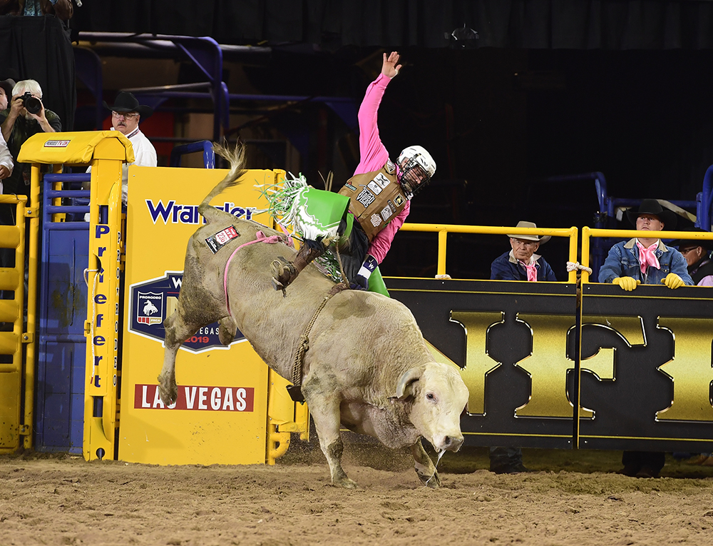 Jordan Spears rides Flying U Rodeo's Countin' Cards for 86 points to finish in a tie for fifth place in the fifth round of the National Finals Rodeo. (PRCA PRORODEO PHOTO BY JAMES PHIFER)